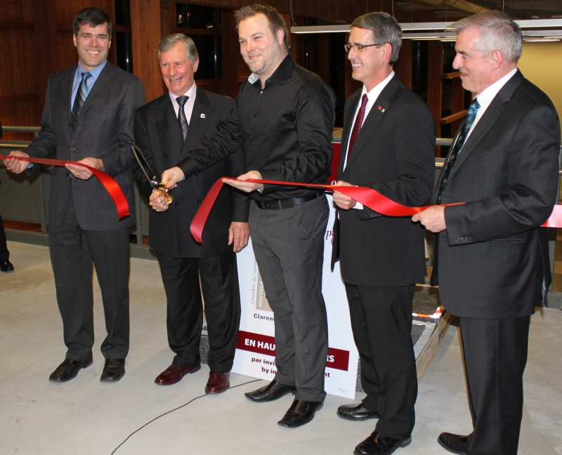 Special guests cut the ribbon opening the New C-R Chamber of Commerce